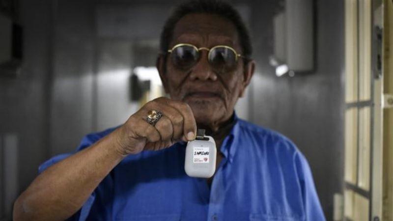 В Сингапуре выдают гаджет, чтобы следить за контактными по коронавирусу