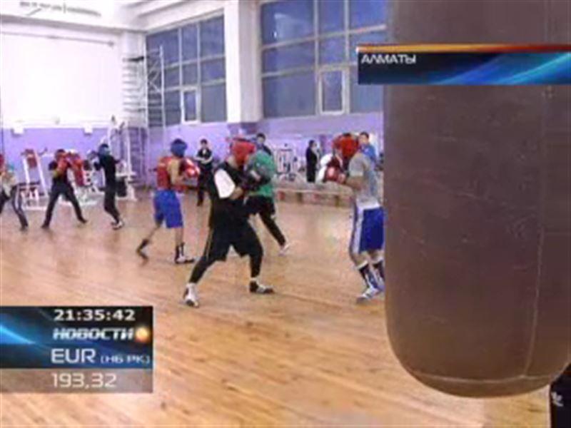 Казахстанский конькобежец завоевал золотую медаль на этапе Кубка мира среди юниоров