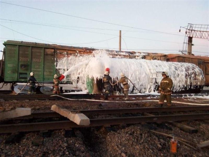 Бензині бар вагон өртенді: 42 адам эвакуацияланды