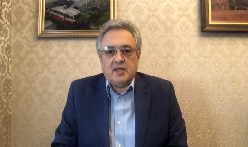 Академик НАН РК записал обращение в связи с ужесточением карантина в Казахстане
