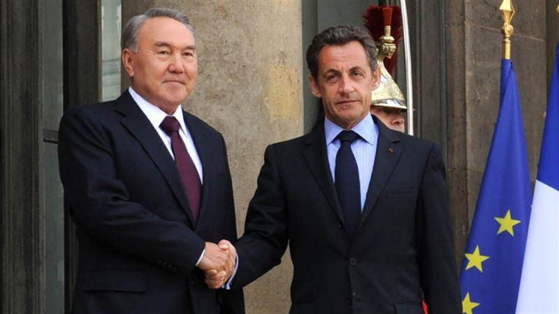 Бывший президент Франции поздравил Елбасы