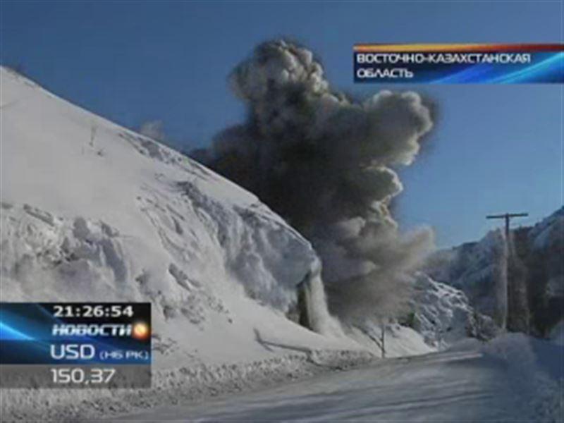 В горах Восточного Казахстана спустили несколько лавин
