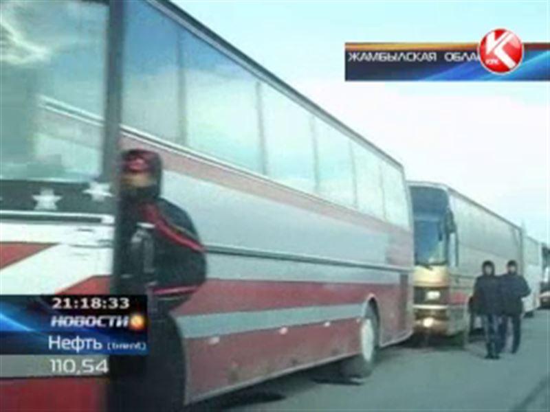 В Жамбылской области перекрыли трассу Алматы - Ташкент