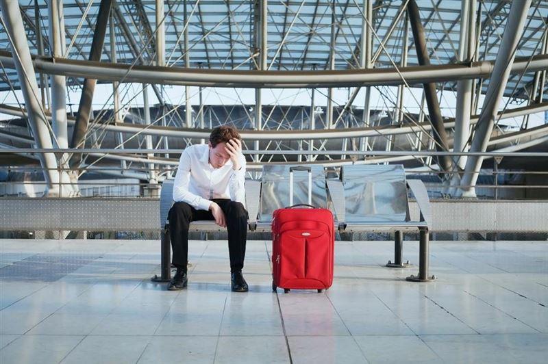 Должников в Казахстане будут предупреждать о запрете выезда за границу заранее