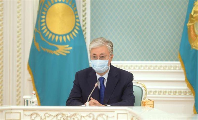 Токаев рассказал, что из-за пандемии коронавируса сильно пострадала сфера услуг