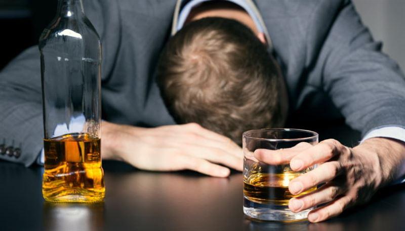 Мужчина пьянел, несмотря на то что не пил