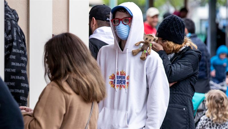 Казахстанские медики советуют носить маски и на улице