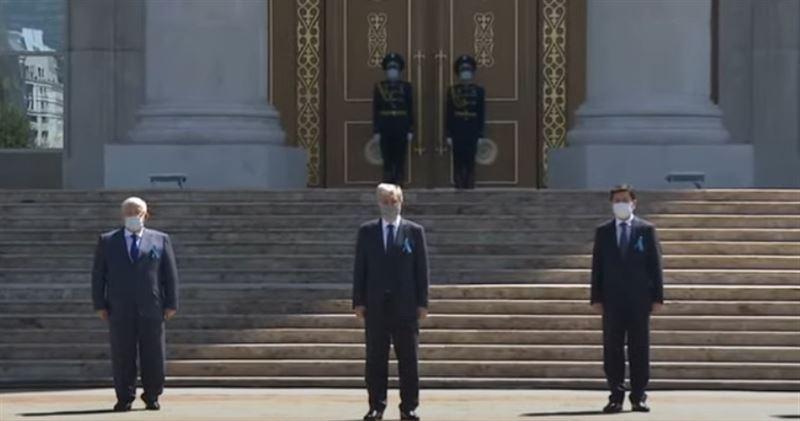 Глава государства почтил память жертв пандемии