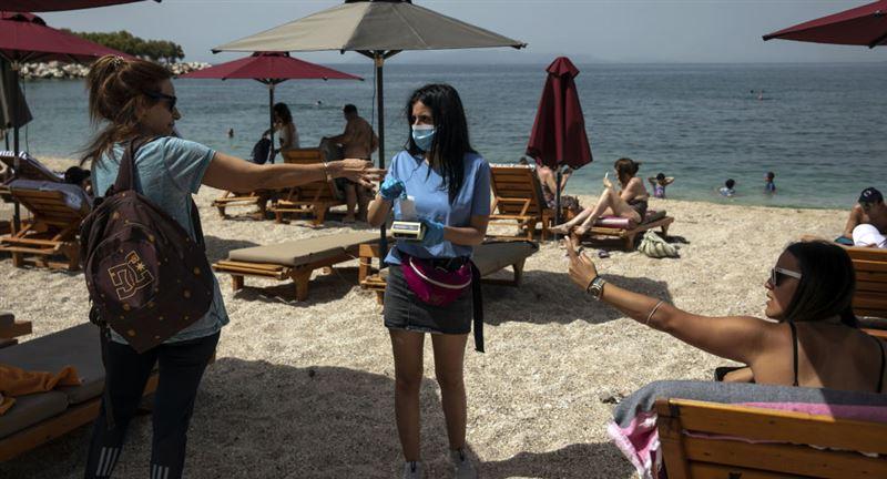 Наплыв туристов в Греции спровоцировал всплеск коронавируса