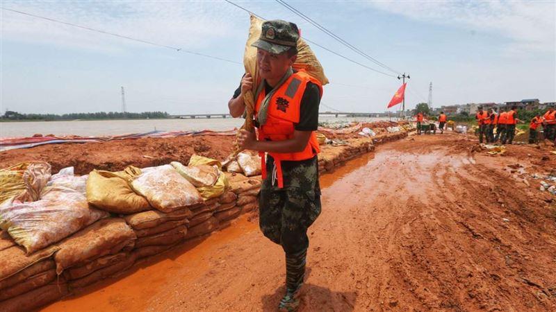 Около 600 тысяч человек эвакуировали на востоке Китая из-за наводнений