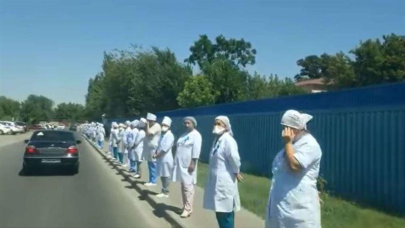 Инициатива о флешмобе врачей в день траура исходила от Ассоциации медработников – Минздрав