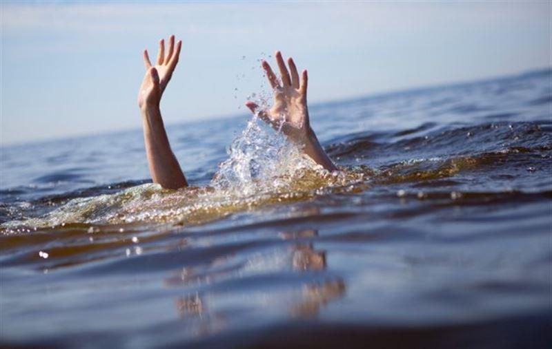 Павлодар облысында 5 жасар қызын құтқармақ болған ер адам суға кетті