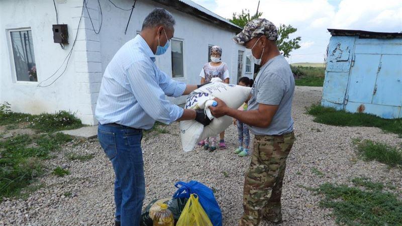В Курбан айт депутаты Мажилиса провели благотворительные акции