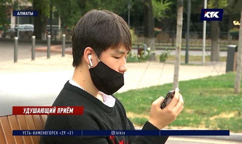 Медики и юристы выступили против ношения масок на улице