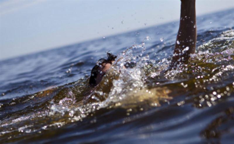 Отец и сын утонули, купаясь в Иртыше