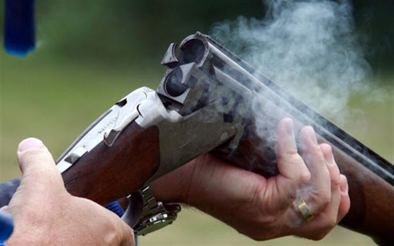 В Алматы мужчина в наркотическом опьянении стрелял в участкового инспектора