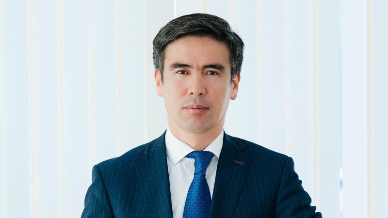 Вице-министр здравоохранения Марат Шоранов спас женщину от удушья в Нур-Султане