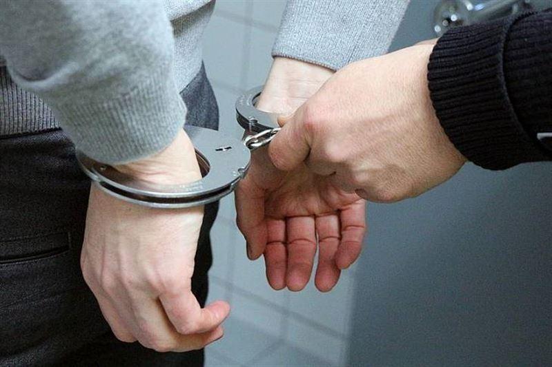 Полицейские Арыси задержали вора, похитившего сотовые телефоны
