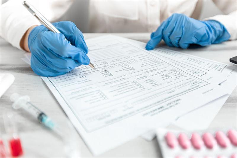 Медработница выдавала фиктивные справки с отрицательным результатом на коронавирус