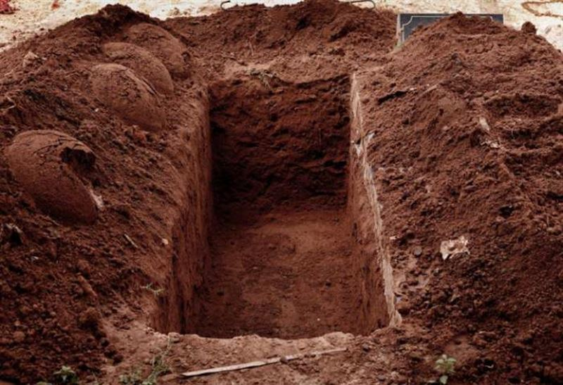Покойницу нашли живой через неделю после похорон