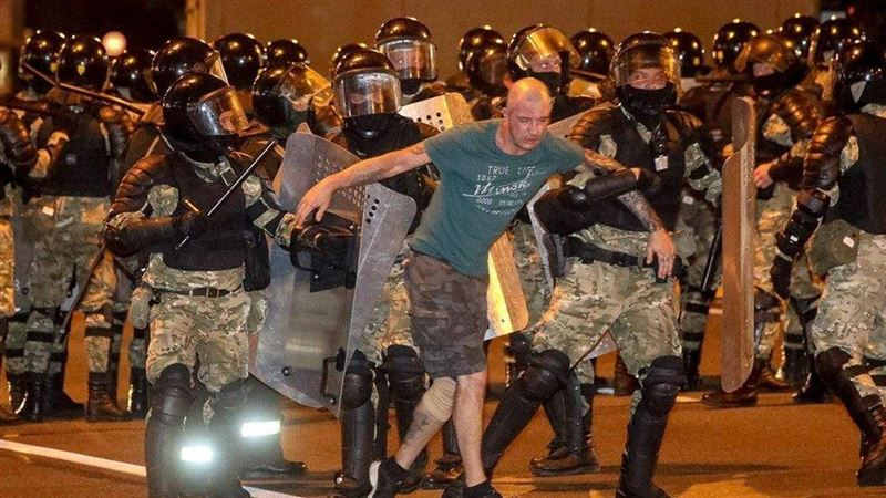 Беспорядки охватили Беларусь в ночь после выборов президента