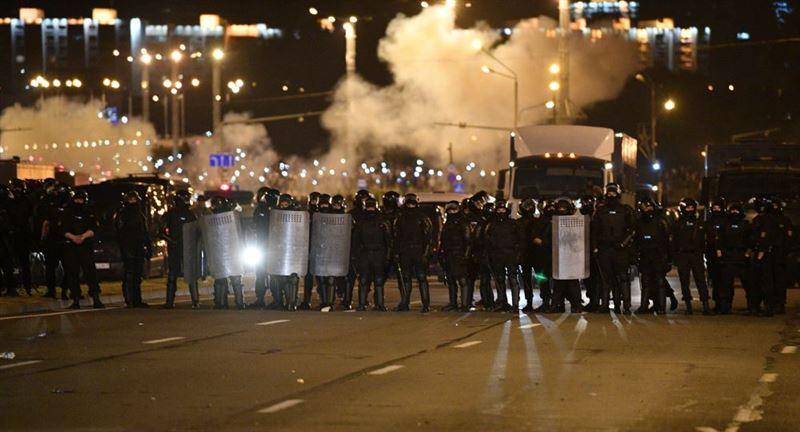 В Беларуси пообещали наказать всех виновных в массовых беспорядках