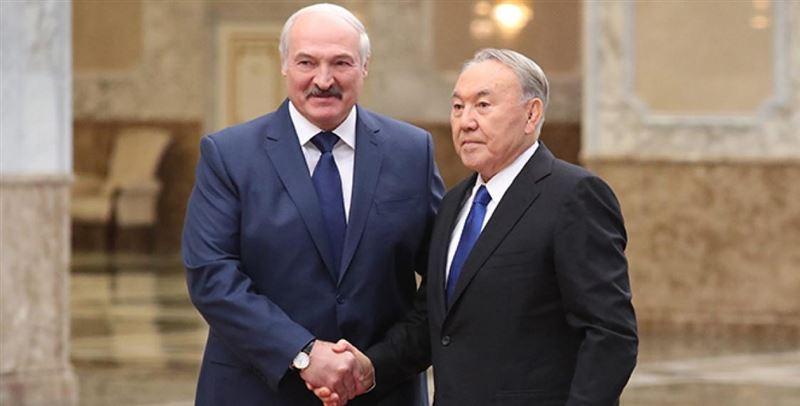 Назарбаев поздравил Александра Лукашенко с переизбранием на пост президента Беларуси