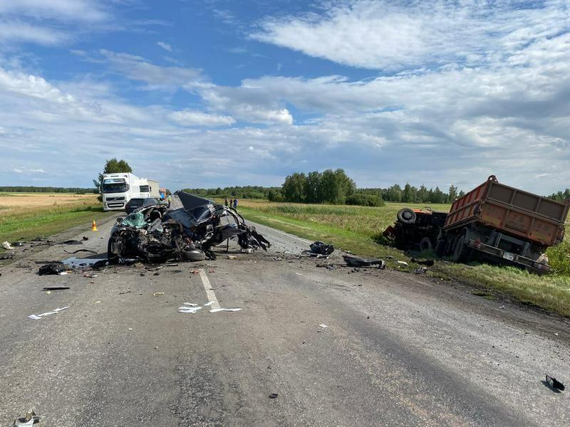 В жуткой аварии на трассе в СКО  погибли два человека
