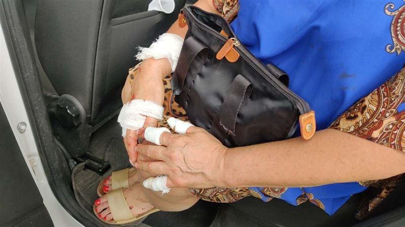 В Алматы мужчина с ножом напал на пенсионерку