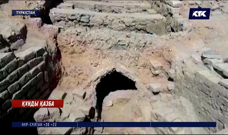 Археологтар Түркістаннан көне керуен сарайы мен монша тапты