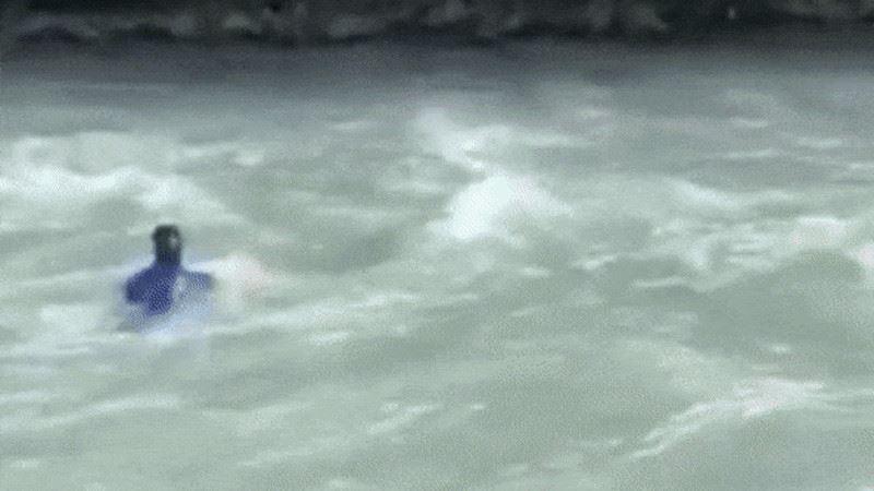 Чиновнику, нырнувшему в реку во время задержания в Текели, вынесли приговор