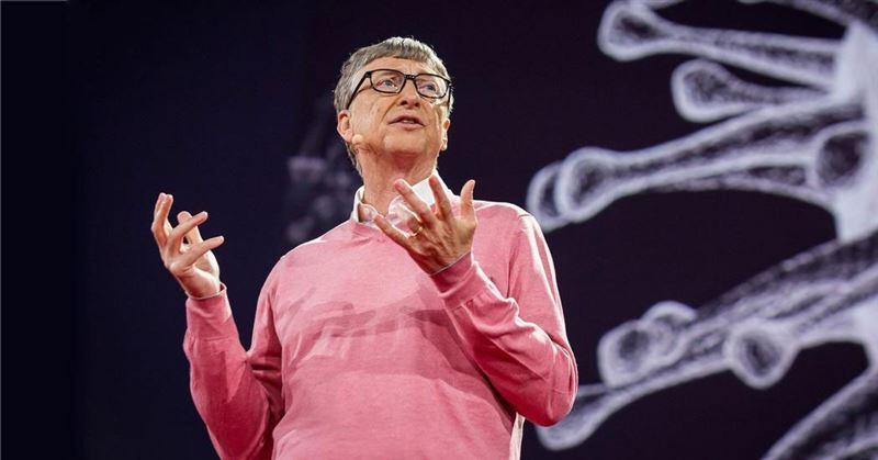 Билл Гейтс адамзатты жаулап алу әрекеті туралы айыптауларға жауап берді