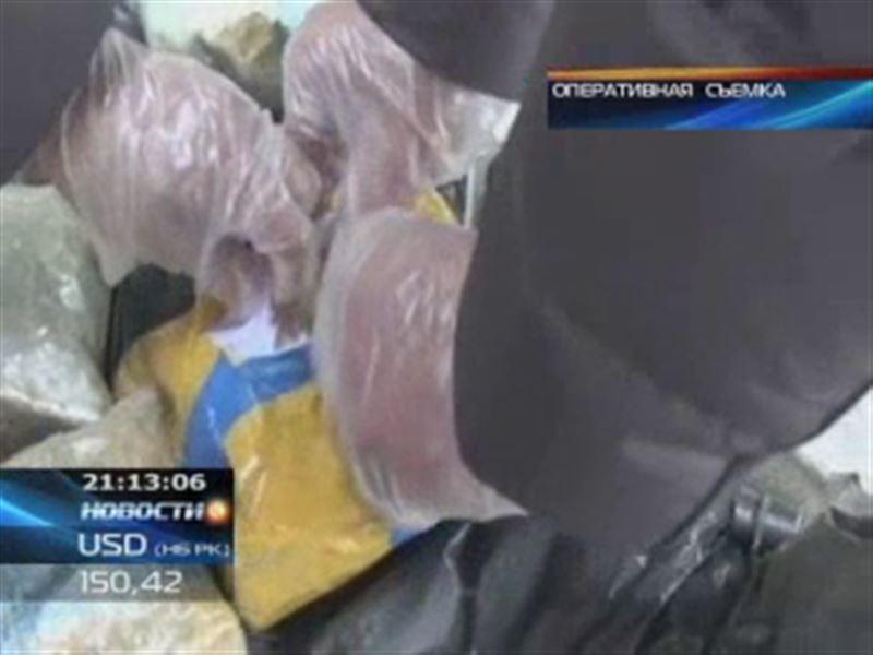 Наркокурьер пытался ввезти из Кыргызстана 42 килограмма наркотиков