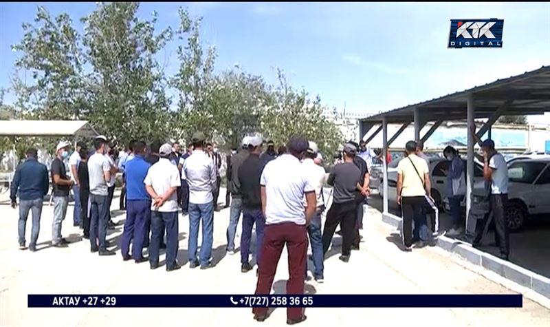 Для 100 нефтяников в Актау не нашлось работы