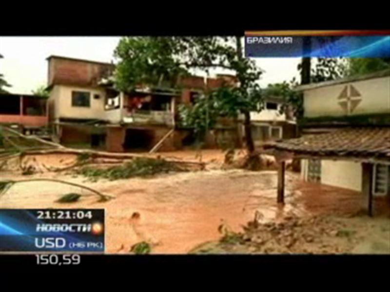 В Бразилии дожди спровоцировали сильнейшее наводнение
