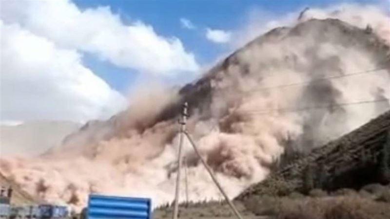 Сильный оползень сошел в Кыргызстане
