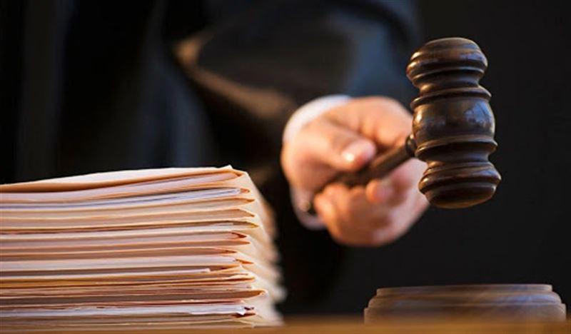 Двух казахстанских судей заподозрили в коррупции