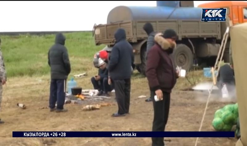 Кыргызстан просит открыть транзитный коридор для мигрантов