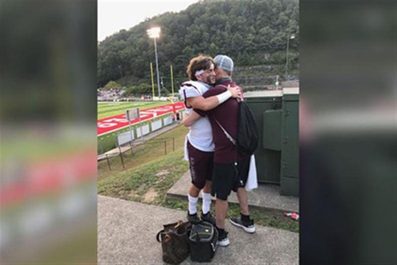 Медсестра помогла умирающему отцу в последний раз посетить матч с участием сына