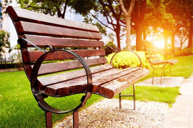 «Говорящая» скамейка появилась в алматинском парке