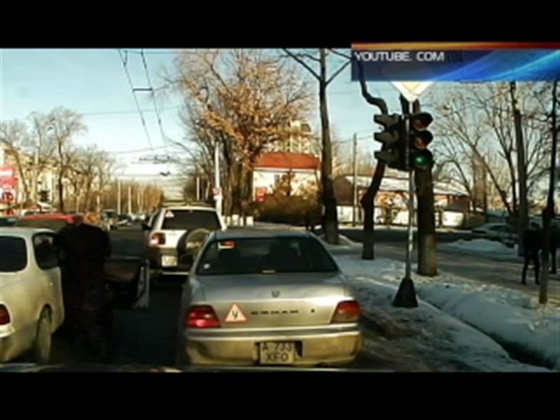 Алматинские полицейские нашли пенсионеров, которых избил разъяренный водитель