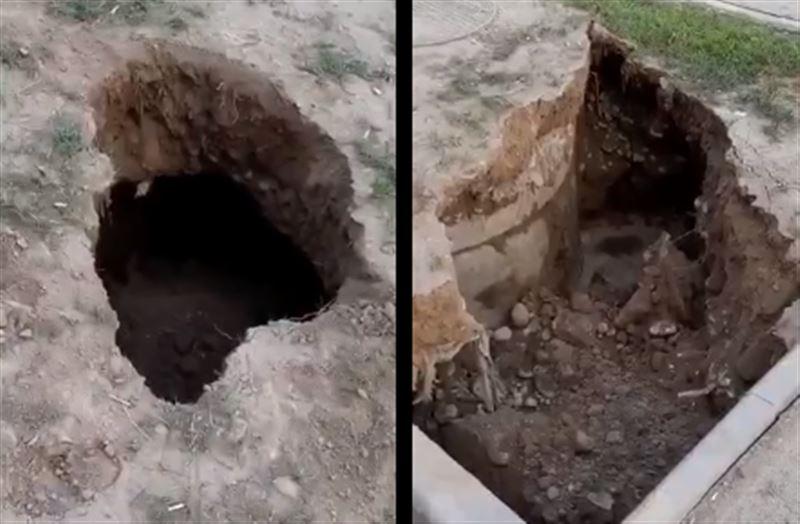 В одном из микрорайонов Алматы провалился асфальт