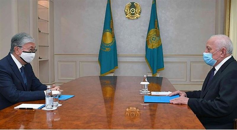 Глава государства принял президента Национальной академии наук