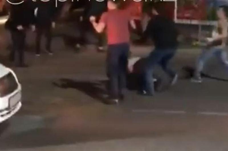 Пользователи Казнета обсуждают видео массовой драки в Алматы