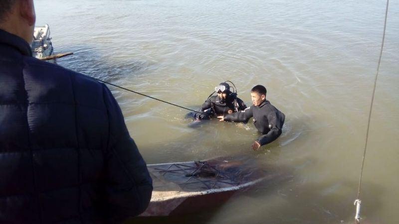 Водитель погиб при переправе через Урал в Западном Казахстане