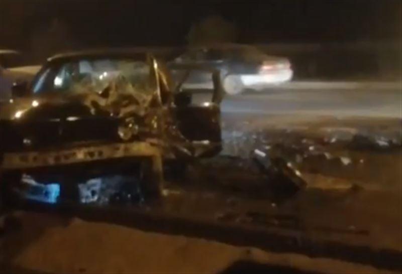 Крупная авария с участием грузовика произошла в Алматы