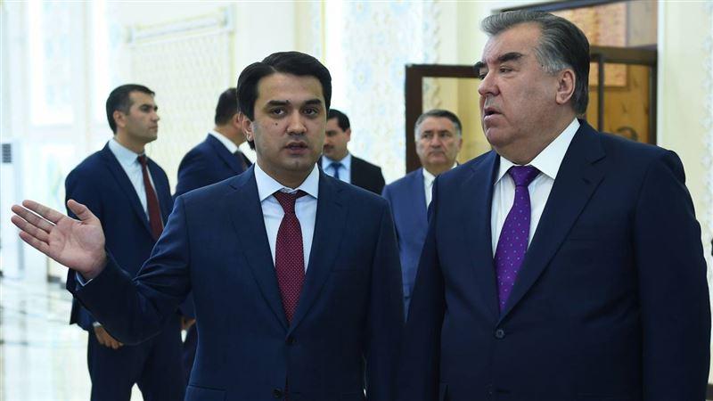 СМИ сообщают о болезни наследника главы Таджикистана