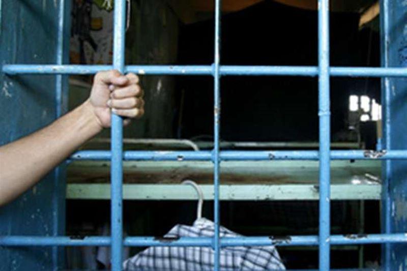 Надзирательница четыре месяца тайно занималась сексом в тюрьме с опасным убийцей
