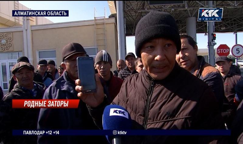 Дальнобойщики требуют ускорить проезд через казахстанско-китайский участок госграницы