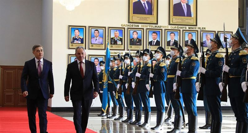 Шойгу оценил военное сотрудничество Казахстана и России
